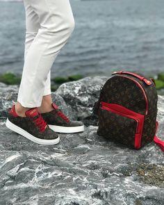 Up Shoes, Gucci Shoes, Me Too Shoes, Shoe Boots, Shoes Sneakers, Shoe Bag, Gucci Slides Women, Designer Shoes, Gucci Designer