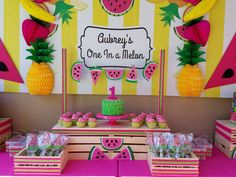 What an adorable Watermelon Birthday Party! Love the birthday cake! What an adorable Watermelon Birthday Parties, 1st Birthday Party For Girls, Fruit Birthday, Kids Birthday Themes, Fruit Party, Birthday Party Decorations, Birthday Cake, Farm Birthday, Fete Emma