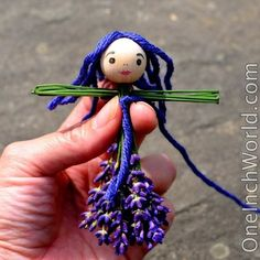 We are visiting my inlaws in Vermont for several weeks, and in addition to an immense forest to play in they have several enormously happy and productive lavender plants which are all spewing flowe. Lavender Crafts, Lavender Bags, Fairy Crafts, Doll Crafts, Yarn Dolls, Fabric Dolls, Making Wooden Toys, Clothespin Dolls, Tiny Dolls