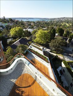 Benelong Crescent Apartments / Luigi Rosselli Architects... check this cool video with this project ;)    https://vimeo.com/31002967