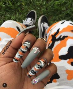 If your boyfriend or husband is a glorious soldier, I'm sure you'll like camouflage nail designs or camo nail designs. These are perfect attempts to use Camouflage Nail Design in another modern style. If you also like camouflage nail designs, look Diva Nails, Aycrlic Nails, Coffin Nails, Cardi B Nails, Jamberry Nails, Fall Nails, Nail Swag, Gorgeous Nails, Pretty Nails