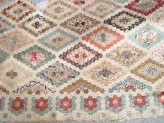 Antique hexagon quilt - interesting border treatment