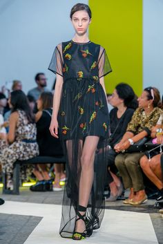 A look from the MSGM Spring 2015 RTW collection.