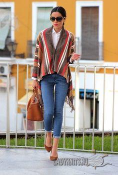 Модное вязаное пончо-накидка