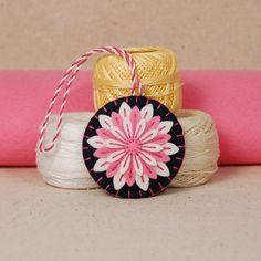 Wool felt daisy