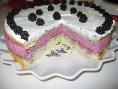 Tort cu crema de mure Desserts, Food, Tailgate Desserts, Deserts, Essen, Postres, Meals, Dessert, Yemek