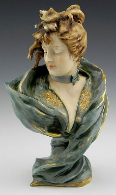 Turn Teplitz Art Nouveau bust