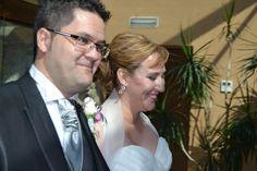 Guapísimos y felices Wedding Dresses, Fashion, Palaces, Dancing, Bride Gowns, Wedding Gowns, Moda, La Mode, Weding Dresses