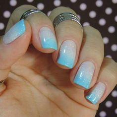 Pretty blue and white ombre nail :)