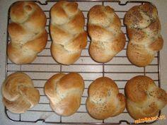 Žemličky a pletenky z jedného prameňa fotopostupy Ale, Bread, Food, Hampers, Ale Beer, Brot, Essen, Baking, Meals