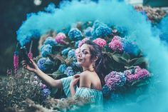 Smoke Bomb Photography, Light Photography, Creative Photography, Digital Photography, Portrait Photography, Photography Hacks, Toddler Photography, Iphone Photography, Maternity Photography