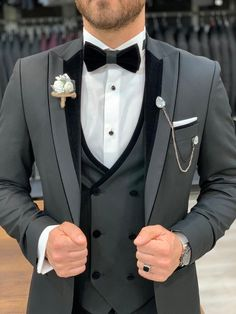 Collection: Spring – Summer 2020 Product: Slim Fit Tuxedo Color Code: Black Size: 46-48-50-52-54-56 Suit Material: 98% Satin Fabric, 2% Lycra Drop: 6 Machine Washable: No Fitting: Slim-fit Package Include: Jacket, Vest, Pants Gifts: Chain, Flower and Bow Tie Mens Wedding Looks, Wedding Men, Wedding Suits, Slim Fit Tuxedo, Black Tuxedo, Tuxedo For Men, Dark Grey Weddings, Tuxedo Colors, Men Online