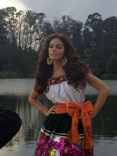 Ximena Navarrete - Mexican actress, model, Miss Universe 2010 Mexican Costume, Mexican Outfit, Mexican Dresses, Mexican Party, Beautiful Mexican Women, Beautiful People, Mexican Fashion, Mexico Style, Mode Boho