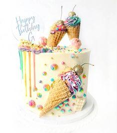 cake Birthday pasteles - 10 Fun & Fabulous Birthday Cake Ideas - Find Your Cake Inspiration 26 Birthday Cake, Latest Birthday Cake, Candy Birthday Cakes, Ice Cream Birthday Cake, Birthday Cake Decorating, Birthday Cards, Cake In A Cone, Ice Cream Cone Cake, Ice Cream Party