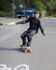 Lloyd Kahn, patinador (78 años)