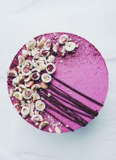 Black currant & chocolate / Easy moussekakku. - I make cake   Lily.fi