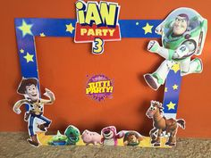 Toy story Party ideas, toy story francés, toy story Photo shoot frame toy story decoracion de fiestas @tuttipartyplayadelcarmen Woody Birthday, Toy Story Birthday, 3rd Birthday Parties, 2nd Birthday, Birthday Ideas, Fête Toy Story, Toy Story Baby, Toy Story Theme, Birthday Frames