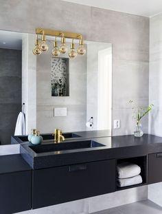 Kristin er tredje finalist i Norges vakreste hjem Vintage Bathrooms, Rustic Bathrooms, Colorful Interior Design, Home Interior Design, Bathroom Renos, Bathroom Renovations, Bathroom Goals, Bathroom Ideas, Scandinavian Bathroom