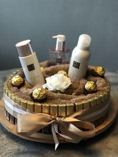 Candy Gifts, Jar Gifts, Birthday Diy, Birthday Gifts, Birthday Survival Kit, Birthday Room Decorations, Personalised Gifts Diy, Diy Presents, Year Anniversary Gifts