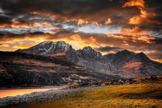 Lovely sunset over the mountain of Blaven on the Isle of Skye