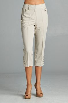 These Larry Levine capri pants feature buttons down the side and are great for work attire Model is wearing a size 6 Polyester Viscose Spandex Machine or Hand Wash Cold (inside out) Imported Style Work Attire Women, Casual Work Attire, Blazer Outfits For Women, Pants For Women, Office Attire, Business Professional Outfits, Business Attire, Business Casual, Womens Capri Pants