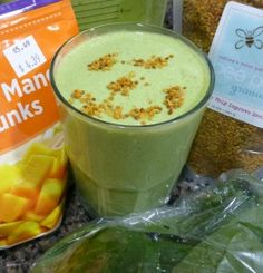 Chia seeds are the new pumped up kicks. Bananarama Superfood Smoothie - trying out chia seeds in smoothies