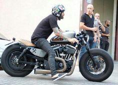 Harley Davidson News – Harley Davidson Bike Pics Bobber Bikes, Bobber Motorcycle, Moto Bike, Cool Motorcycles, Vintage Motorcycles, Harley Bobber, Bobber Chopper, Image Moto, Style Ibiza