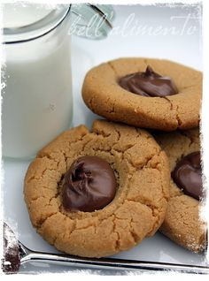 {Gluten Free} Peanut Butter and Nutella Thumbprint Cookies - bell' alimento Cookies Gluten Free, Gluten Free Sweets, Gluten Free Baking, Peanut Butter Nutella Cookies, Gluten Free Peanut Butter, Nutella Recipes, Cookie Recipes, Dessert Recipes, Biscuits