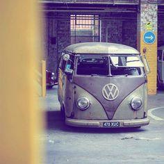 "1,213 Likes, 4 Comments - SAINT MOTORS Co.™ ☠️ 19⚡13  (@saint_motors) on Instagram: ""from @bugbus_net #bugbus #vwkombi #vwcombi #vwbus #vw #kleinbus #transporter #t1 #t2…"""