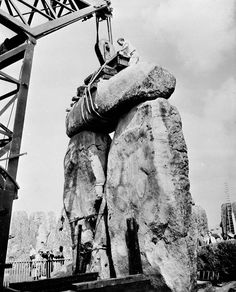 The Nephilim Chronicles: Fallen Angels in the Ohio Valley: Photographic Essay of Stonehenge History Channel, Ancient Art, Ancient History, Ancient Ruins, Vintage Photographs, Vintage Photos, Stonehenge History, National Geographic, Statues