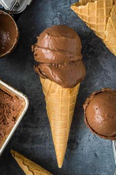 Be ready for summer full of joy, with a refreshing touch of delicious, creamy and healthy, and dairy-free ice cream recipes. #veganrecipes #vegan #veganicecream #icecream