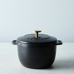 x Staub Petite French Oven Stovetop Rice Cooker, Cast Iron Pot, Cast Iron Cookware, Staub Cookware, Rice Maker, Mini Kitchen, Kitchen Items, Kitchen Goods, Kitchen Supplies, Kitchen Gadgets