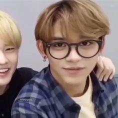 Lucas as your boyfriend 💚 – Memes Lucas Nct, 17 Kpop, Nct Life, Funny Kpop Memes, Your Boyfriend, Boyfriend Boyfriend, Jaehyun Nct, Meme Faces, Boyfriend Material