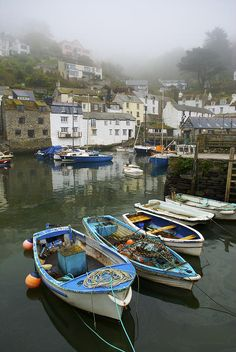 Polperro, a small fishing village, on the south coast of Cornwall. A favourite place. Possibly one of the most lovely little fishing villages you can come across. Lots of arty shops and an Inn that has live music. Cornwall England, Devon And Cornwall, Yorkshire England, Yorkshire Dales, England Uk, London England, Polperro Cornwall, Sports Nautiques, St Just