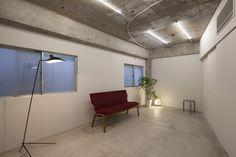 http://www.dezeen.com/2014/04/24/house-in-jiyugaoka-concrete-apartment-airhouse-design-office/