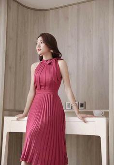Elegant Dresses Classy, Lovely Dresses, Classy Dress, Toddler Girl Dresses, Girls Dresses, Corporate Wear, Runway Fashion, Womens Fashion, Asian Fashion