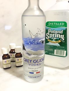 Vodka, water, and essential oils for a diy scent-masking spray Diy Home Cleaning, Diy Cleaning Products, Cleaning Hacks, Homemade Products, Diy Cleaners, Cleaners Homemade, Floor Cleaners, Essential Oil Blends, Essential Oils