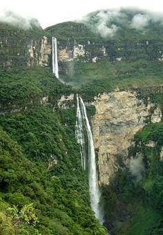Gocta, cascada cerca de Chachapoyas en Amazonas, al norte de Perú.
