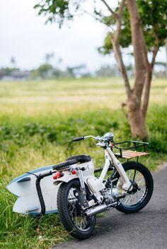 Deze motorfiets van Deus is het perfecte voertuig voor deze zomer