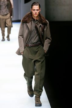cc802c71bdc8ea Giorgio Armani Fall 2018 Menswear Fashion Show. Jacken HerrenMode ...