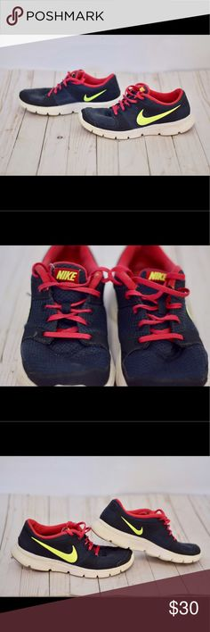 Women's Nike Navy & Lime Green Shoes Good condition. Tiny flaw on the shoelace on one side. Nike Shoes Athletic Shoes