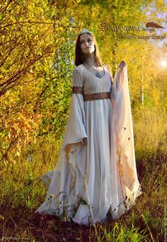 Medieval Gown, Medieval Wedding, Medieval Costume, Gothic Wedding, Medieval Fashion, Medieval Clothing, Historical Clothing, Fantasy Gowns, Goddess Costume