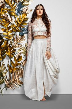 Indian Gowns Dresses, Indian Fashion Dresses, Dress Indian Style, Indian Designer Outfits, Indian Fashion Modern, Skirt Fashion, Designer Party Wear Dresses, Kurti Designs Party Wear, Lehenga Designs