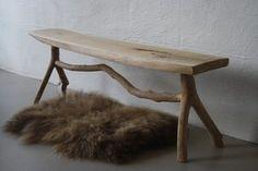 Elmetræs bænk med 'Y' ben. 124 cm lang