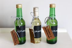 DIY Limoncello and chalk board bottles. Great for Yellow lemon themed wedding favors Limoncello Recipe, Homemade Limoncello, Cocktail Drinks, Alcoholic Drinks, Beverages, Cocktails, Christmas Drinks, Christmas Foods, Christmas Wedding