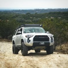 Many people find the thought of searching for cars and consider it a necessary evil. It is difficult to understand all of the options available in the car Overland 4runner, Toyota 4runner Trd, Suv Trucks, Toyota Trucks, Chevy Silverado, Toyota Trd Pro, Tacoma Toyota, Four Runner, Toyota Girl