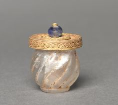 Cosmetic jar, gold filigree, sapphire and rock crystals, Byzantium, 6th century