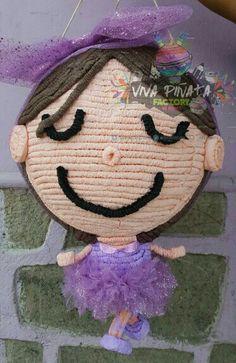 #Piñata #Bailarina  #Ballet  Piñata personaliza y no solo con papel fue creada, también se utilizó tela del vestido original de la festejada.✏✂