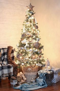 Simple Rustic Glam Christmas Tree ideas for your holiday decorations