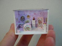 Poppen - miniaturen - schaal 1/144 - huis slaapkamer scène